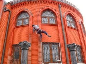Окраска кирпичного фасада